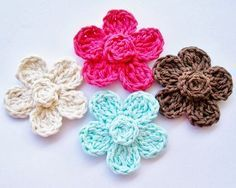 Free Crochet Flower Pattern Free Easy Crochet Headband Pattern Five Petal Daisies Materials: Cotton Yarn or Yarn of Choice G Hook or Hook Size of Choice Special Stitch Note: 4x Crochet Stitch add one more stitch to a regular triple crochet stitch in the middle or at the end Pattern: 10 Single Crochets into Magic C