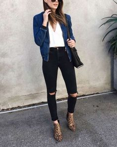 LAStyle ThriftsThreads jean bomber jacket and leopard booties Bomber Jacket Outfit, Blue Bomber Jacket, Dark Denim Jacket, Casual Outfits, Cute Outfits, Casual Dressy, Look Formal, Black Jeans Outfit, Mode Style