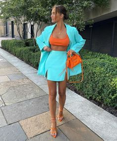 Botas Western, Blazers, Camisa Formal, Street Style Looks, Playing Dress Up, Types Of Fashion Styles, Color Blocking, Trendy Outfits, Color Pop