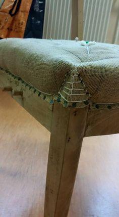 Upcycled Furniture, Rustic Furniture, Furniture Making, Diy Furniture, Furniture Covers, Chair Covers, Furniture Makeover, Cottage Renovation, Furniture Manufacturers