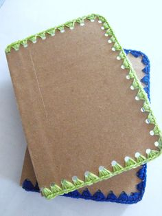 Crocheted notebook edge