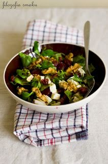salad with feta cheese and beetroot