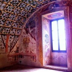 Getting home decor inspiration from the frescoes in Torrechiara castle - Instagram by @Rachelle Lucas