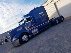 BIG BLUE Peterbilt 386, Peterbilt Trucks, Customised Trucks, Big Rig Trucks, Rigs, Sweet, Blue, Vintage, Big Trucks