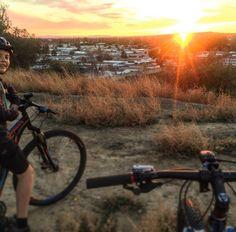 Sunset ride...#carboncanyonredwoods #brea #yorbalinda #sunset #mountainbike #trekbikes #specializedbikes #troyleedesigns #bontrager by seanjackson