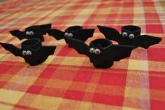 Halloween crafts-by Valerie Here's a look back at some of our favorite (and frugal) Halloween crafts from years past… so much fun!!