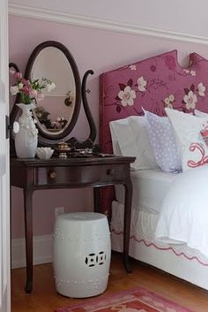 Girl's bedroom, I like the pink mixed with the dark woodtones