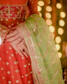 Bridal Mehndi Dresses, Indian Gowns Dresses, Bridal Dress Design, Pakistani Bridal Wear, Wedding Dresses For Girls, Pakistani Dress Design, Pakistani Dresses, Dps For Girls, Cute Baby Wallpaper