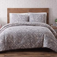 Sand Washed Frost Gray 3-Piece Gray Full and Queen Comforter with 2 Shams