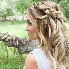 Ahhh, Lauren Conrad, the blonde kween of cat eyes, braids, and all things twee.