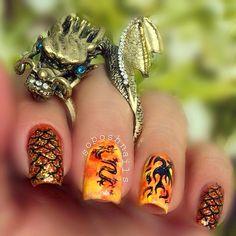 Game of Thrones Nails!  #DaenerysTargaryen