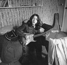 """ Rory playing his Strat in his bedsit in Earls Court London, where he lived with his band Taste. Photo by Robert Meyer from May 1969 "" Rory Gallagher, Earls Court London, Drunk Woman, Partition, That One Person, Him Band, Your Voice, Concert, Doctor Who"