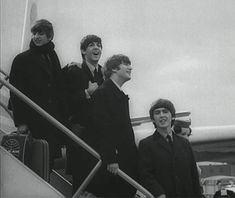 music vintage celebrities the beatles throwback paul mccartney john lennon musicians george harrison beatles rock n roll ringo starr rock band archivesgif trending #GIF on #Giphy via #IFTTT http://gph.is/2dtXA8o