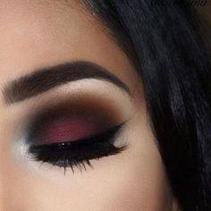 Burgundy Makeup Look, Maroon Makeup, Black Eye Makeup, Matte Makeup, Smokey Eye Makeup Look, Makeup To Go With Black Dress, Burgundy Eyeshadow Looks, Smokey Eyeshadow Looks, Black Eyeshadow Tutorial