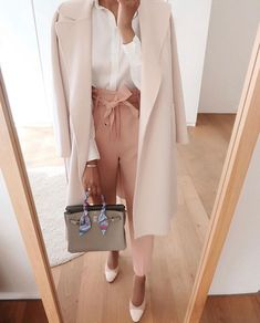Hermes Birkin 25 - Steffy's Style Fall outfit idea. Pink coat for fall. 30 Outfits, Office Outfits, Classy Outfits, Chic Outfits, Spring Outfits, Fashion Outfits, Fashion Blogs, Fashion Trends, Formal Outfits