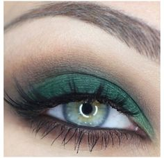 This is cool, but i don't know that I could pull it off. Every model with pine green (green-blue-gray) eyes has a different skin tone than me.