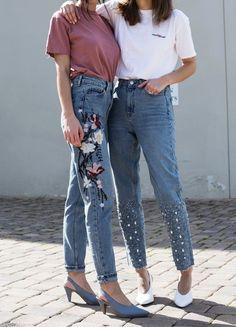 """WEBSTA @ topshop - Memo incoming 💌: Statement denim and a slouchy tee. Click the link in the bio to shop the style or search """"Floral embroidered jeans"""", """"Gemstone hem mom jeans"""" Jeans Trend, Denim Trends, Who What Wear, Cropped Jeans, Star Fashion, Womens Fashion, Fashion Trends, Fashion Lookbook, Denim Fashion"""