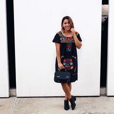 Sigamos festejando la grandeza de México   Pronto les contaré sobre mi vestido de @lasmariasmx  . . . . Foto: @inphotography  #sabado #findesemana #finde #16deseptiembre #vivamexico #lasmarias #compralocal #mx #mexicano #mexico #blogger #arylimon