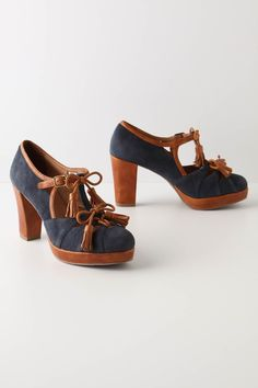 Cute denim shoes. #shoesday