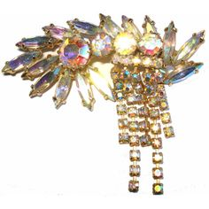 Vintage 1940s Brooch Big Bold Dangle Rhinestone Sparkling Garden Party... ($5.95) ❤ liked on Polyvore featuring jewelry, dangling jewelry, rockabilly jewelry, vintage rhinestone jewelry, sparkle jewelry and sparkling jewellery
