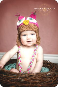 cute photo idea - owl hat and oversized nest- Need to do for Raylan- maybe jan pic?