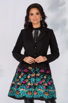 Paltoane De Iarna - Modele Cambrate Largi - Ce se poarta in iarna 2020 Floral, Skirts, Fashion, Moda, Fashion Styles, Florals, Fashion Illustrations, Flowers, Fashion Models
