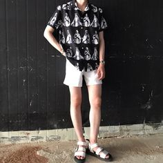 Look at this Cool spring korean fashion Korean Fashion Summer, Korean Fashion Men, Dope Fashion, Trendy Fashion, Fashion Kids, Fashion Design, Mens Fashion, Korean Outfits, Short Outfits