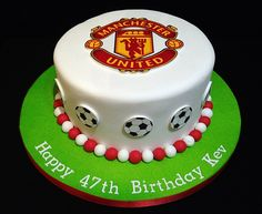 Football - Manchester United Cake by Nicola Cooper, via Behance