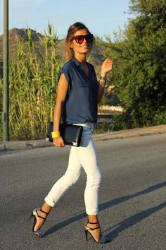 White pants , simple & stylish look I want pretty: LOOK- Pantalones Blancos Looks Style, Style Me, Simple Style, Schnür Heels, Jeans Heels, High Heels, White Skinnies, White Jeans, Summer Outfits