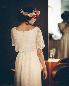A coroa de flor é uma ótima pedida para finalizar o penteado de noivas que vão casar ao ar livre.  #noiva #bride #ceub #casaréumbarato #wedding #instawedding #casamento #buquê #flores #flower #buquêdenoiva #inspiração #instawedding #noivas #noiva #noiva2016 #noiva2017 #ido #instabride #picoftheday #bridesmaid #dreamwedding #bff #engaged #bridetobe #fashion #fashionista