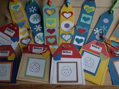 Prvňáčci novým prvňáčkům 2014 | speczstrutnov.cz Gifts For Kids, Coasters, Holiday Decor, Frame, Den, Education, Home Decor, Paper, Presents For Kids