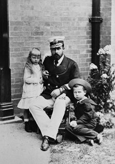 Alfred, Duke of Saxe-Coburg and Gotha with his daughter, Princess Marie (future Queen of Romania) and son, Prince Alfred of Edinburgh Queen Victoria Children, Queen Victoria Family, Queen Victoria Prince Albert, Victoria And Albert, Princess Victoria, Reine Victoria, Victoria Reign, Royal Monarchy, British Monarchy