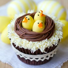 Birds in a nest with peeps cupcake.j