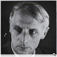 Max Ernst, Herbst 1932 – Oktober / Januar 1935 – 1936. Silbergelatinepapier, Modern Print von Stober 1970er Jahre, 173 x 225 mm; Mehrfach-Po...