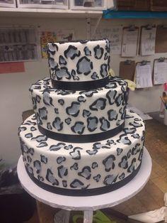 Leopard, snow leopard, wedding cake , Great Dane bakery