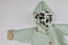 **Das dritte Bild zeigt den Stoff der Kapuze.**  Eine tolle Walkjacke (Baby, Kinder) in mintgrün mit weichem Baumwollfleece. Dadurch wird die Walkjacke nicht nur zur richtigen Winterjacke,...
