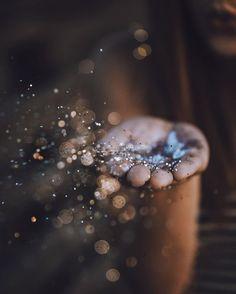 Glitter Photography, Creative Photography, Photography Poses, Nature Photography, Magical Photography, Photography Classes, White Photography, Aesthetic Photography Nature, Photography Lighting
