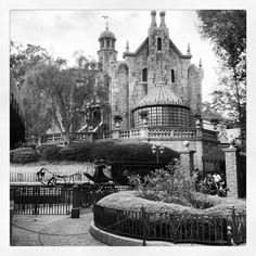 Disney Photo Tips and Ideas + 50 Not-to-Miss Shots - Mommysavers.com | Online Coupons & Savings