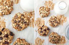 Prepariamo insieme degli ottimi biscotti con due ingredienti soltanto: banana e fiocchi d'avena! Sono perfetti per i vegani, ma non solo!
