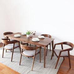 """[BUY] Nordic Wooden Dining Chair American Vintage Home Furniture Coffee Restaurant Bedroom Study Casual Simple with Armrest Back Chair<img src="""" Wooden Dining Table Designs, Dinning Table Design, Simple Dining Table, Chair Design Wooden, Wooden Dining Chairs, Dining Room Chairs, Dining Room Furniture, Home Furniture, Vintage Dining Chairs"""