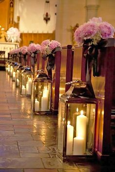 Thinking how to decorate your centerpiece? We propose to consider lantern wedding centerpiece ideas with candles or beautiful flowers inside.