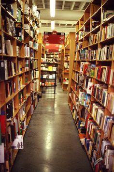 Powell's Bookstore Downtown Portland OR  #ridecolorfully #katespadeny
