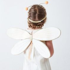 1 butterfly dress up kit designed by Meri Meri. Ideal for finishing off a fairy or butterfly costume during a little girl's birthday party. Butterfly Costume, Butterfly Dress, Princess Costumes, Baby Costumes, Costume Papillon, Butterfly Kids, Beautiful Butterflies, Costume Accessories, Girls Accessories