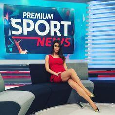 Eleonora Boi Parallel legs