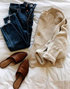 10 Outfits To Recreate This Fall – Lilly & Grant 20 Fall Outfits Ideas for Women Casual Comfy and Simple Fall Fashion Outfits, Casual Fall Outfits, Mode Outfits, Fall Winter Outfits, Look Fashion, Autumn Winter Fashion, Womens Fashion, Unique Fashion, Fashion Ideas
