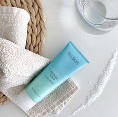 Nu Skin® Exfoliant Scrub Extra gentle helping to clear out dead skin cells & other nasties as gently as possible, leaving behind a smooth & bright complexion. Black Skin Care, Natural Teeth Whitening, Exfoliating Scrub, How To Exfoliate Skin, Anti Aging Facial, Dead Skin, Organic Skin Care, Beauty Care, Beauty