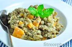 Skúste si šošovicový prívarok pripraviť so zaujímavou obmenou – sladkými zemiakmi. Naberie úplne nové chute, ktoré si zamilujete. Prívarok má nízky obsah tuku, kalórií a na druhú stranu je bohatý na vlákninu, vitamín A, kyselinu listovú, mangán, fosfor a bielkoviny. Navyše je neuveriteľne jednoduchý na prípravu ;) Ingrediencie (na 4 porcie): 200g šošovice 2 sladké […]
