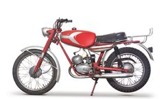 1962 Ducati Cacciatore anybody had one? Ducati Motorcycles, Cars And Motorcycles, Ducati Models, Classic Road Bike, Ducati Cafe Racer, Classic Motors, 50cc, Old Bikes, Vintage Italy