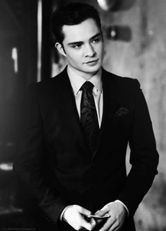 too much love for Chuck Bass (aka Ed Westwick) Gossip Girl Chuck, Gossip Girls, Mode Gossip Girl, Estilo Gossip Girl, Chuck Bass Ed Westwick, Pretty People, Beautiful People, You're Beautiful, Im Chuck Bass