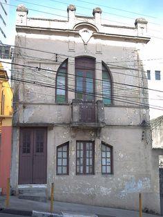 Bexiga 4 Este casarão apesar do certo abandono de sua fachada e ser de estilo simples,é residencia de alguma familia felizmente,só merece uma bela pintura para ficar mais bonito ainda